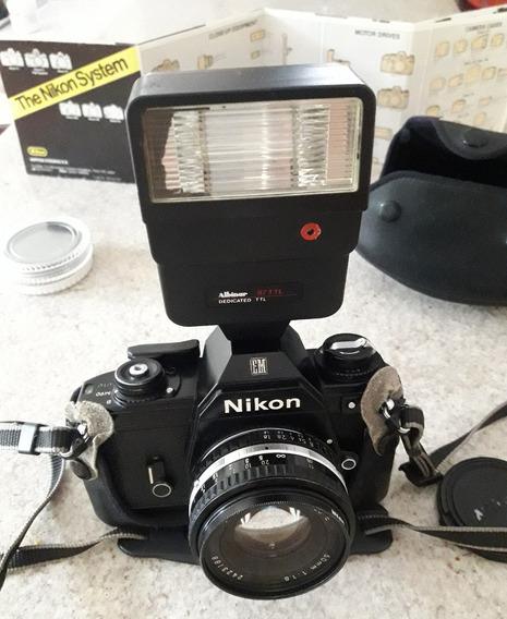 Câmera Fotográfica Nikon Em 35mm Analógica Antiga Acessórios