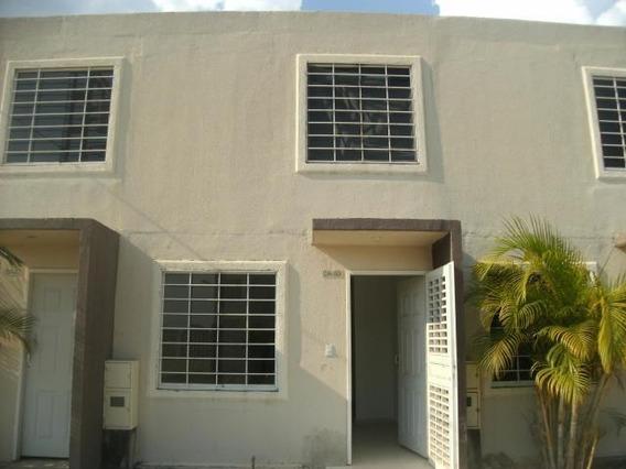 Casa En Venta La Ensenada Barquisimeto Lara 20-2143