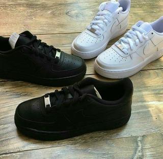 Tenis Nike Air Force 1. Croki- Croky.