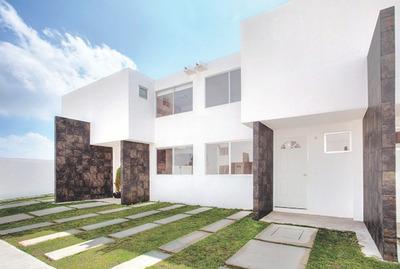 Casa Residencial En Zona Privada Con Excelente Ubicación