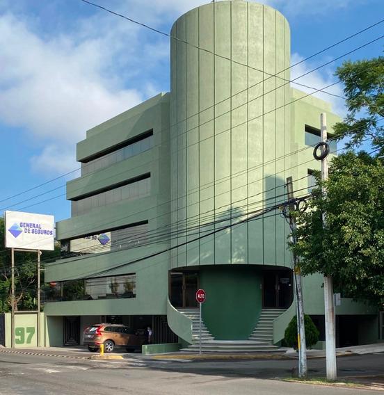 Oficinas Bernardo Quintana Frente Plaza Parque