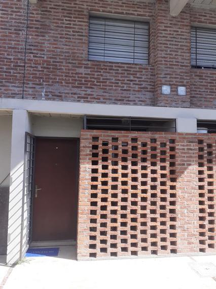 Casa Dos Plantas Con Traspaso Anv