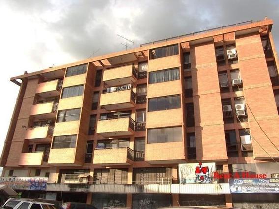 Apartamento Venta Centro Maracay 20-2732 Jd