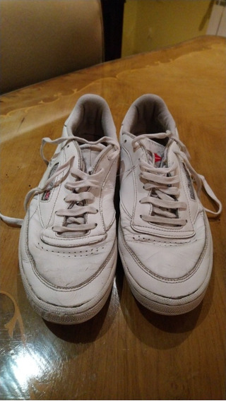 Zapatillas Blancas. Marca Reebok