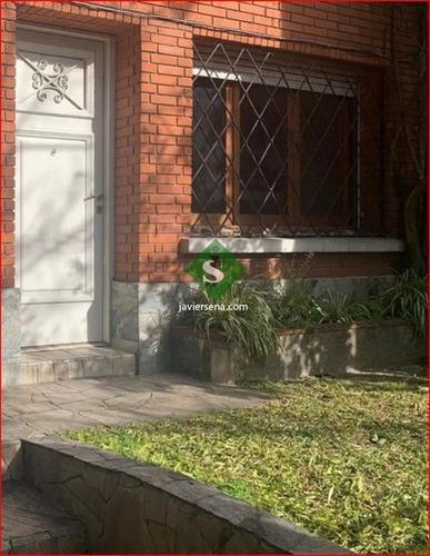Vednta De Casa En Pocitos, 3 Dormitorios, Baños, Lugar Para Vivir Con Buen Entorno.- Ref: 168215