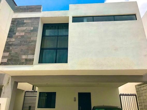 Casa En Renta En Fraccionamiento Privado - Cumbres Del Sol
