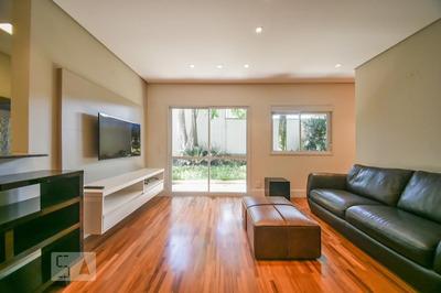 Apartamento No 1º Andar Mobiliado Com 1 Dormitório E 2 Garagens - Id: 892905740 - 205740