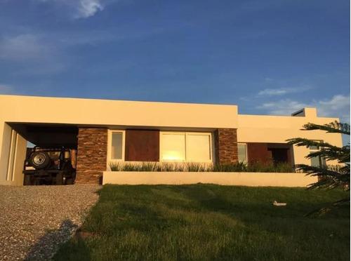 Hermosa Casa Estilo Americano En La Tahona