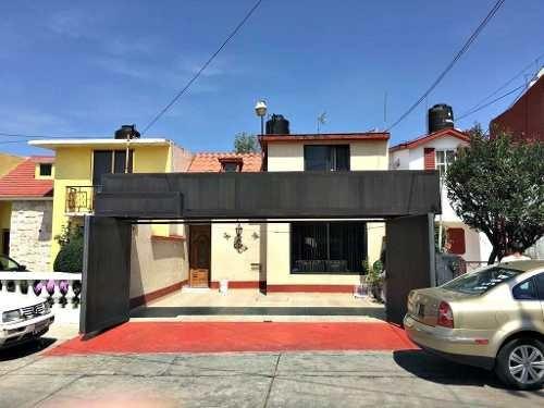 (crm-2040-335) Casa Valle Dorado, Tlalnepantla.