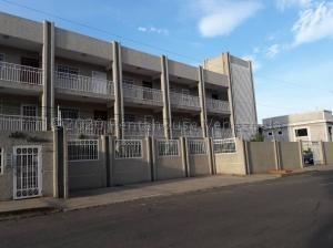 Vendo Apartamento Monte Bello 20-24836 Sumy Hernandez