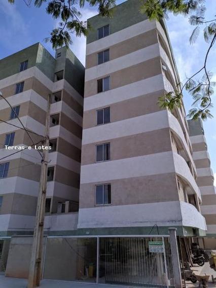 Apartamento Para Venda Em Pouso Alegre, Village Sion, 2 Dormitórios, 1 Suíte, 2 Banheiros, 2 Vagas - Apto117_1-1330357
