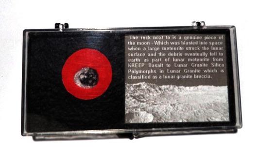 Meteorito Lunar (veio Da Lua) Não É Petrificado Fossilizado