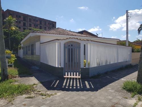 Casa De Esquina A 100 Metros Do Mar Em Rua Calçada Em Itanhaém - 0126-cs