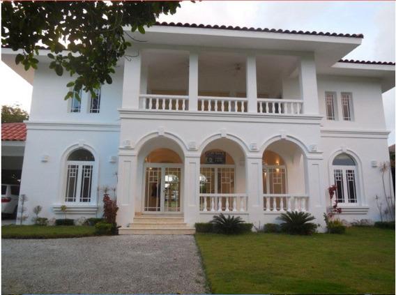 Villa En Tortuga Bay En Punta Cana Resort And Club