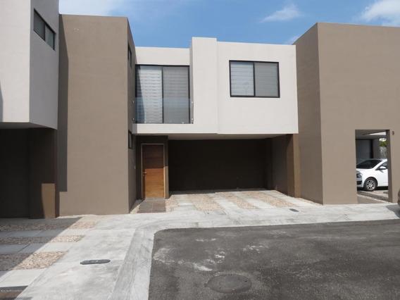 Casa En Venta En El Refugio, Queretaro, Rah-mx-20-3123
