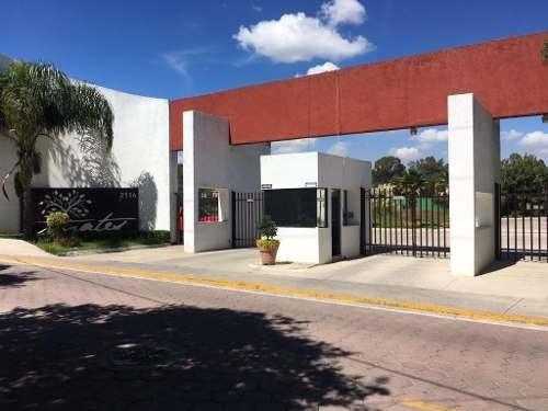 Casa En Venta En Zerezotla, Cerca Del Club De Golf La Huerta.