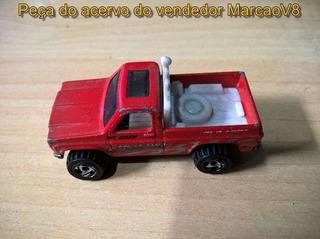 Miniatura 1:64 Hot Wheels De Uma Pick Up Chevrolet 1977 Ngk