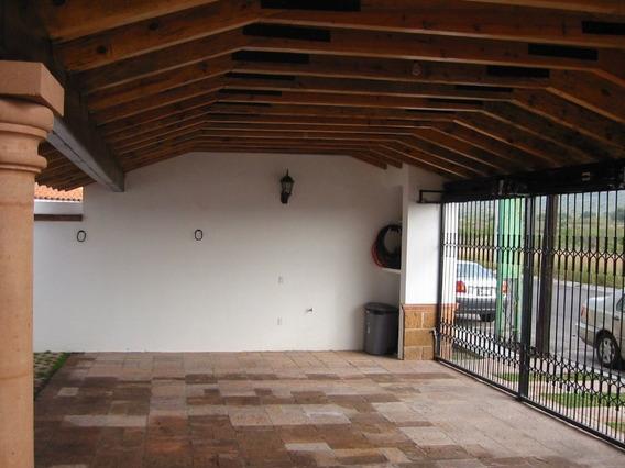Casa En Renta. Juriquilla Misiones, Queretaro. Rcr180311-fm