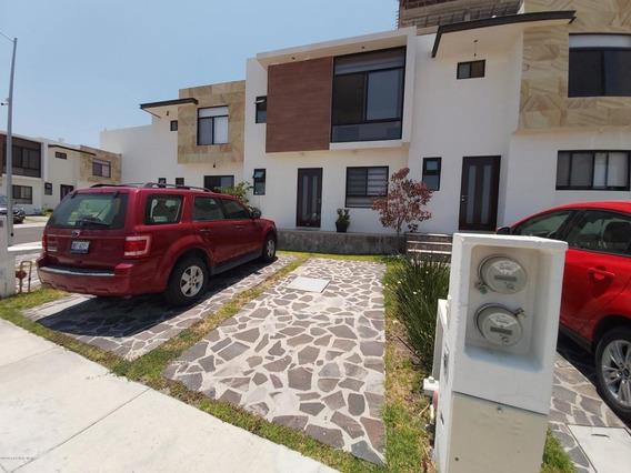 Casa En Venta En Cumbres De Juriquilla, Queretaro, Rah-mx-21-735
