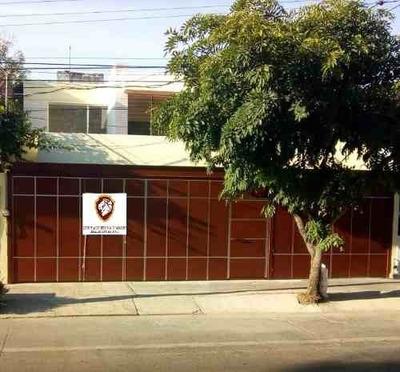 Renta Excelente Casa En Residencial Victoria En Guadalajara