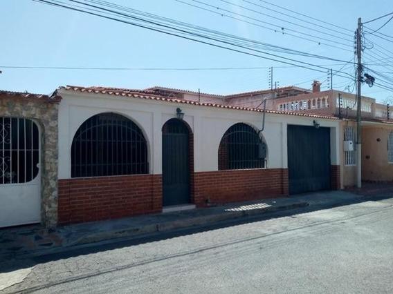 Casa En Venta Urb. Valle Lindo, Turmero 20-10625 Hcc