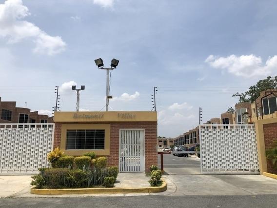 Bello Townhouse En Sabana Del Medio San Diego Mg