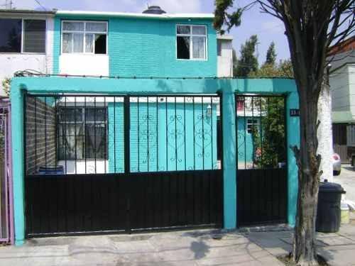 Casa En Venta En Valle De Ecatepec, Ecatepec, México.