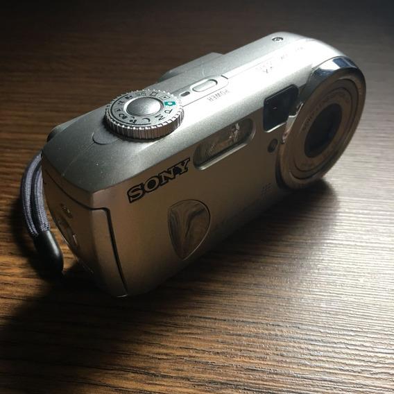 Câmera Digital Sony - 4.1 Mega Pixel - Usada