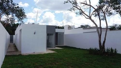 Venta De Casas Residenciales De Un Nivel En Cholul