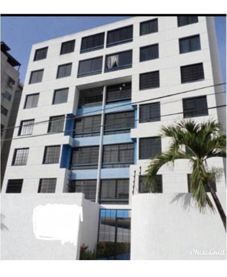 Apartamento Urb. Jorge Coll