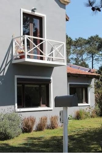 Vendo Hermosa Casa De 3 Dorm. C/pileta En Pinares De Punta!!
