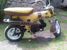 Honda 100c. Estilo Anos 70 - 2005 Restaurada