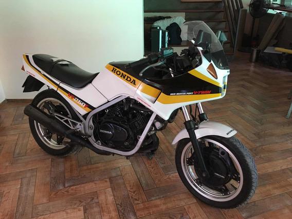 Honda Honda Vt250f