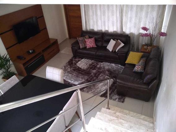 Ótima Casa Com Excelente Localização Em Condomínio Fechado