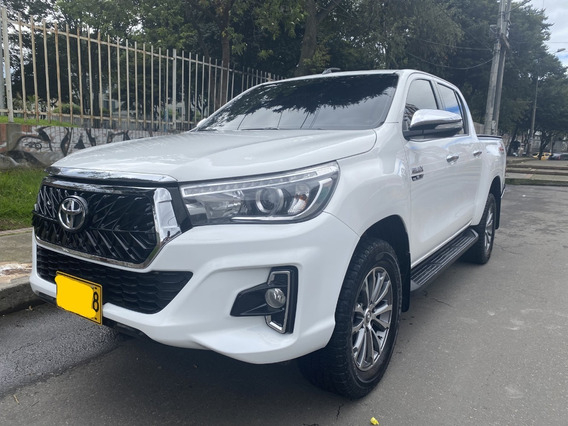 Toyota Hilux Gasolina Motor 2.7 4x4 Frente Rocco