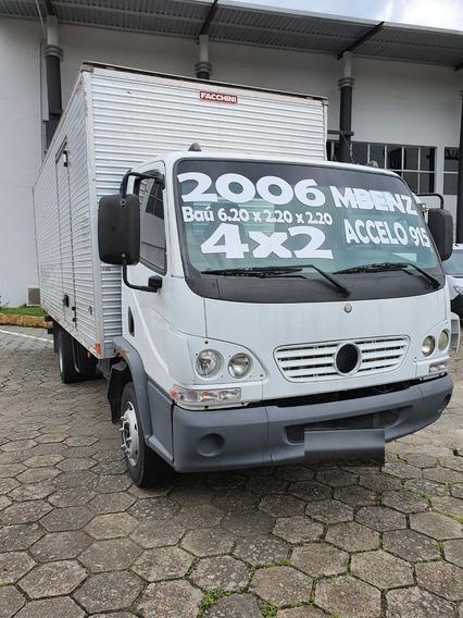 Mercedes-benz Accelo 915 4x2 Baú 2006 / Financiamos
