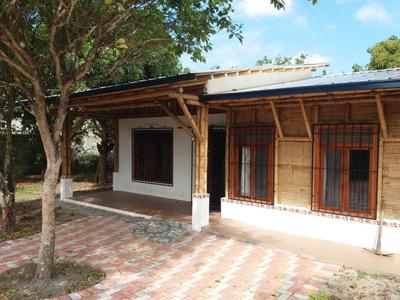 Alquilo Casa Ecologica, A 10 Min Del Centro De Esmeraldas