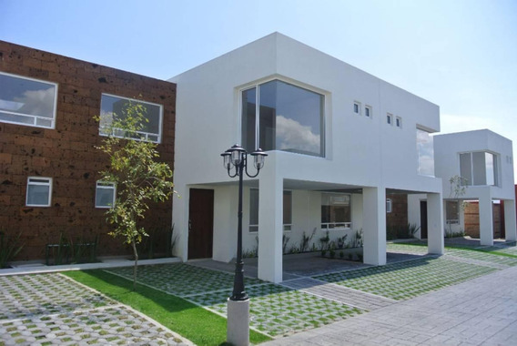 Venta De Hermosa Casa En Exclusivo Fraccionamiento Privado