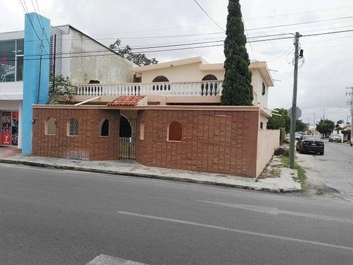Casa En Avenida Principal Y Esquina San Nicolas Mérida Yuc.