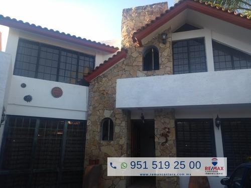 Preciosa Residencia En Santa Lucia Del Camino