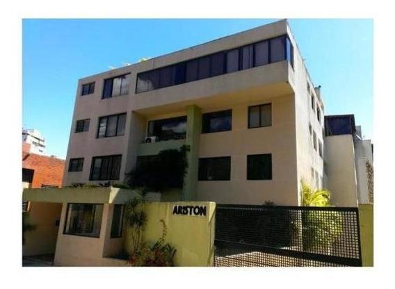 Amplio Apartamento Ubicado En Edificio Pequeño