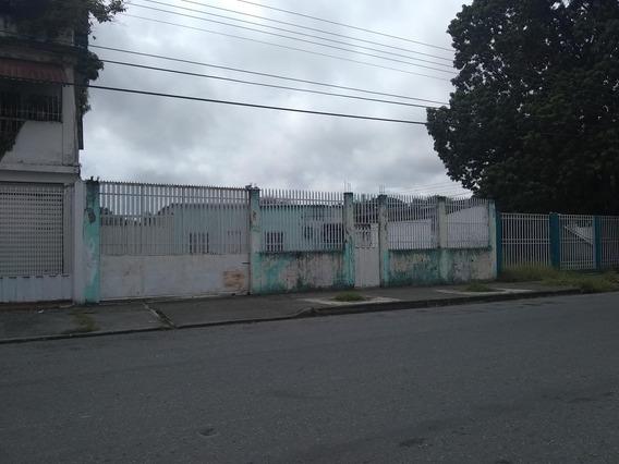 Casa En Venta Centro Acarigua 20-1055 Rhr