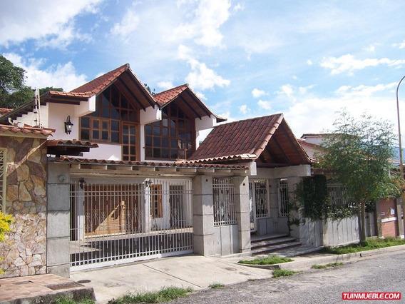 Casas En Venta. Urbanización Las Tapias