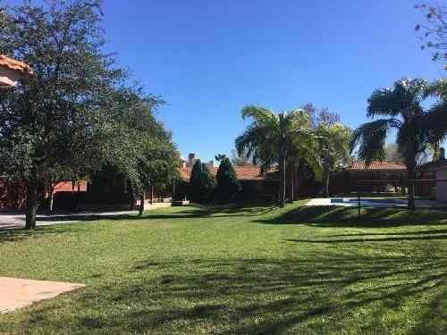 Quinta En El Campanario Carretera San Mateo, Juarez N.l. 1,800mts2 Con Casa Hab.,alberca Y Palapa