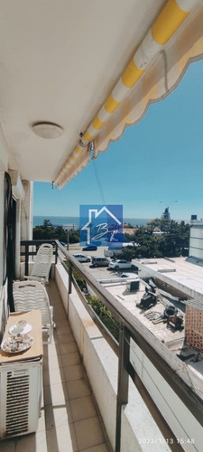 Apartamento En Venta, Primera Línea Al Mar, Playa Mansa- Ref: 1270