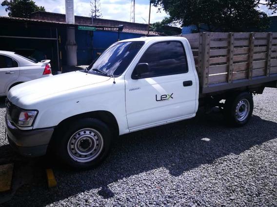 Toyota Hilux Estaca