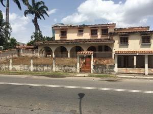 Casa En Venta La Vina Valencia Cod19-18971 Gz