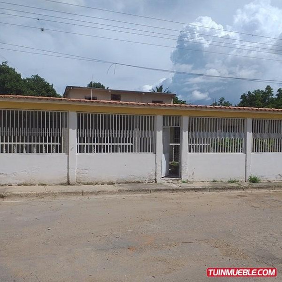 Casas En Venta En Urbanización La Floresta