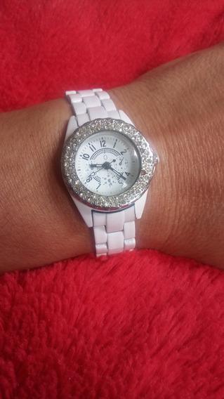 Relógio De Pulso Branco Antigo