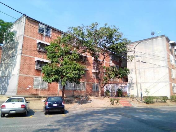 Apartamento En Venta Rent A House Código 19-14343